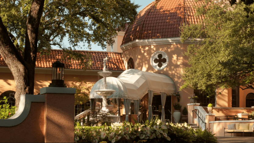 outside Rosewood Mansion Dallas, TX
