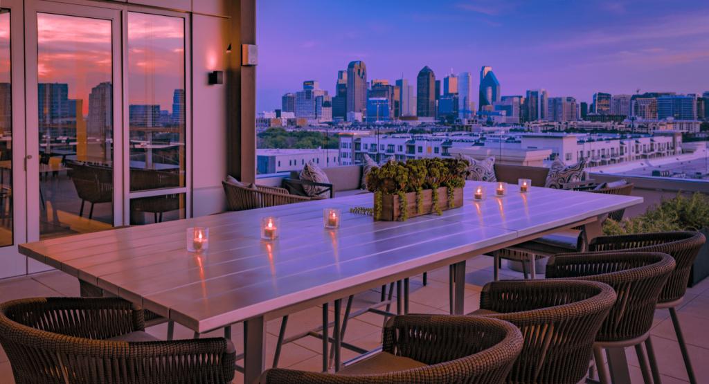Dallas TX city skyline